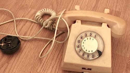 internet datând primul apel telefonic)